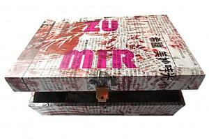 Mein  23,5 x 16 x 9 cm, Holzbox, Capaplex Siebdruck, Collage 2012