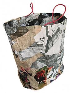 Papierkorb  32 x 40 x 28 cm, Collage auf Papiertüte 2009